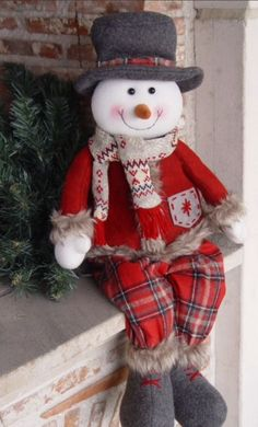 31 The Best Santa Claus Decorations For Your Home Gingerbread Decorations, Christmas Door Decorations, Felt Christmas Ornaments, Christmas Wreaths, Christmas Crafts, Christmas Pillow, Handmade Ornaments, Christmas 2019, Christmas Christmas
