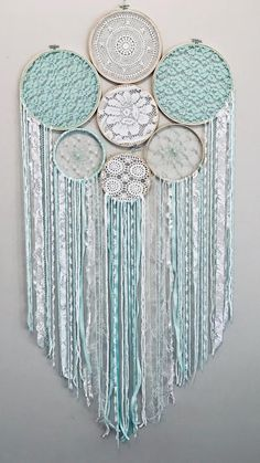 This vintage inspired dreamer catcher is gorgeous, made from bamboo hoops with pastel mint and white doilies and lace, it would look lovely in a bedroom or nursery. Giant Dream Catcher, Dream Catcher Decor, Crochet Wall Art, Yarn Wall Art, Doilies Crafts, Yarn Crafts, Diy Crafts Hacks, Crafts To Make, Macrame Projects