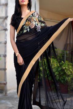 Black Net Hand-Painted Floral Saree - Sarees Online in India Kerala Saree Blouse Designs, Saree Jacket Designs, Saree Blouse Patterns, Black Net Saree, Saree Painting Designs, Dress Painting, Fabric Painting, Saree Designs Party Wear, Designer Sarees Wedding
