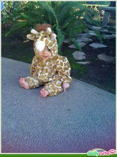 een schattige baby als giraffe