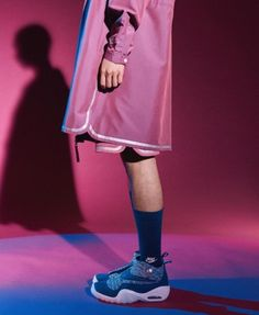 Nike and Pigalle are launching a new collection this week that sees the ongoing collaborative union stick to the script of era basketball and Parisian Mode Masculine, Sport Editorial, How To Wear Sneakers, Magazine Man, Expensive Clothes, Sneaker Magazine, Mens Activewear, Lookbook, Men Styles