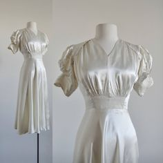 Your place to buy and sell all things handmade 1940s Fashion Women, Vintage Fashion, 1940's Fashion, Fashion Outfits, Vintage Dresses, Vintage Outfits, Vintage Clothing, Dressy Dresses, Nice Dresses