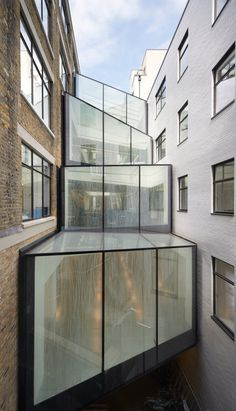 Cantifix designed and installed this complex glass atrium for a client in London You are in the right place about facade arquitectura Here we offer London Architecture, Roof Architecture, Baker Street, Parasitic Architecture, Glass Building, Broken Window, Wall Exterior, Glass Boxes, Modern