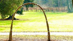 Živé stavby z vrby - vrbové stavby - Proutěné ploty a rohože na plot   Vrbové stavby - Naše realizace Svatební oblouk z živé vrby u hotelu v Pardubicích Liwing willow weeding arch by hotel Arches, Living Willow, Pergola, Pile, Outdoor Structures, Garden, Garten, Outdoor Pergola, Lawn And Garden