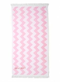 although the colours aren't the same, this towel would look amazing with my fav seafolly bathers! <3