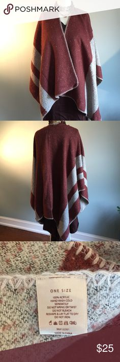 Chestnut Brown & Beige Poncho Boho poncho made of 100% acrylic is hand-washable and soooo soft. Worn once. Do Everything in Love Sweaters Shrugs & Ponchos