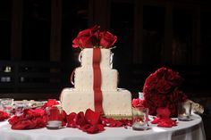 By far one of the best wedding cake ever! #bestweddingcake, #gorgeousweddingcake, #redweddingcake