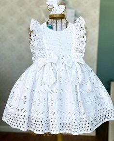 Frocks For Girls, Little Girl Dresses, Baby Girl Fashion, Kids Fashion, Kids Dress Wear, Baby Girl Dress Patterns, Frock Design, Cute Dresses, Kids Outfits