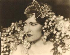 Gloria Swanson for THE HUMMING BIRD (Sidney Olcott, 1924)