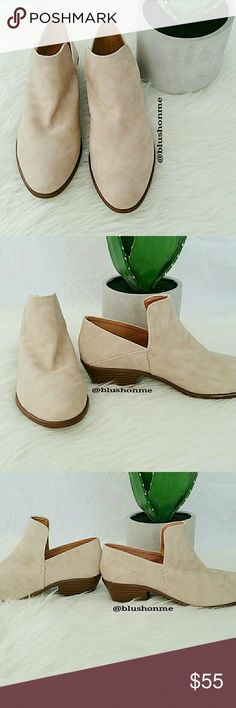 80ea65ca7ef3 Shop Women s size Various Ankle Boots   Booties at a discounted price at  Poshmark.