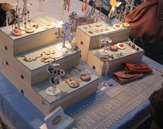 craft show display - risers --- y dentro puedes guardar tu mercadería y transportarla