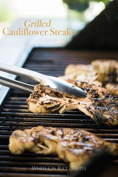 Healthy cauliflower recipe grilled on the bbq. This recipe for grilled cauliflower steaks is easy to cook on the bbq grilled cauliflower low carb keto paleo Healthy Grilling, Grilling Recipes, Cooking Recipes, Vegetarian Grilling, Vegetarian Recipes, Grilling Ideas, Barbecue Recipes, Barbecue Sauce, Healthy Cooking