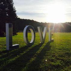 Lighting Love Letters !! #loveletters #lightingloveletters #lettreslumineuses #wedding #weddingdecoration  #decor  #mariage #organisationdemariage #mariagesurmesure #lights #mariage #chic #mariageoriginal #weddingplanner #paris #love #life #msandjo