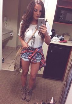Spring country look. Rodeo Outfits, Country Outfits, Cute Outfits, Country Concert Outfits, Country Fashion, Spring Summer Fashion, Spring Outfits, Autumn Fashion, Zuhair Murad