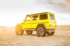 Mercedes Benz G500 4x4 Squared rear three quarter 02