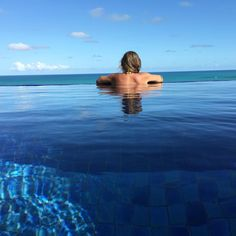 Desejo do dia!! #sol #mar #piscina #natureza #lifestyle #lifeisgood #olioliteam @olioli_lifestyle