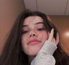Girl Photo Poses, Girl Photography Poses, Girl Photos, Aesthetic Hair, Bad Girl Aesthetic, Cute Selfie Ideas, Fake Girls, Tyler The Creator, Grunge Girl