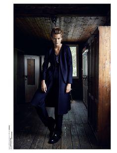Top Fashion magazin,Foto: Branislav Simoncik, Styling: Jan Kralicek, Make-up: Hristina Georgievska, vlasy: Martin Tyl, Modelka: Michaela Hlavackova/Elite www.top-fashion.sk/topfashionmagazin.cz