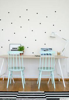 """Käyttäjän """"minttumntysalo"""" mintunväriset pinnatuolit tuovat iloa työpisteelle. Näin on houkuttelevampaa tehdäkin töitä! :) #styleroom #inspiroivakoti #tyohuone #pinnatuoli"""