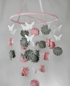 Dahlia and Butterfly Paper Mobile in Pink Gray and White by whimsicalaccents on Etsy. Perfect for any room in your home. Cool Baby, Mobiles, Diy Papillon, Planet Mobile, Diy Fleur, Baby Zimmer, Diy Bebe, Butterfly Mobile, Dahlia