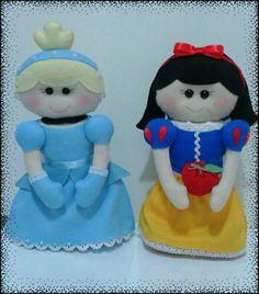 Bonecas em feltro para decoração de mesa