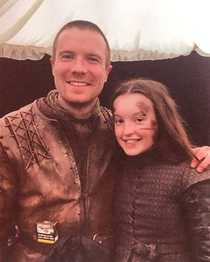 """19 """"Game Of Thrones"""" Behind-The-Scenes Moments By The Cast From Season Episode 3 Game Of Thrones Brasil, Game Of Thrones Facts, Game Of Thrones Funny, Jaime Lannister, Cersei Lannister, Daenerys Targaryen, Joe Dempsie, Game Of Thrones Instagram, Instagram Smiles"""