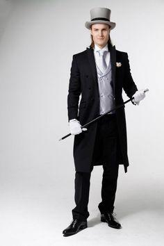 Nordavind frockcoat. Skjorte fra Dukes. Tilbehør fra Zlixx of Scandinavia. Fotograf: Ching Pang. Modell: Christian F. Mo
