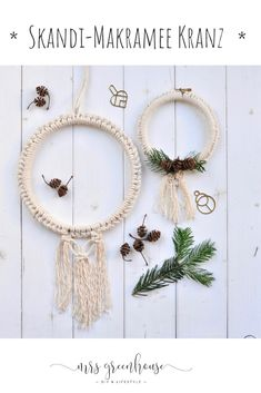 DIY for a wintry macrame wreath with a scandi look. You can find the instructions at mrsgreenhouse.de DIY for a wintry macrame wreath with a scandi look. You can find the instructions at mrsgreenhouse. Diy Outdoor Furniture, Diy Furniture, Furniture Makeover, Art Sur Toile, Diy Greenhouse, Greenhouse Wedding, Macrame Projects, Chalk Paint Furniture, Macrame Patterns