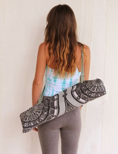 Yoga mat bag DIY. Awesome! I don't really like to sew, but I just might do this! ;)