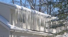 How to prevent ice dams! Ice dams cause leaks and water damage during the winter months. is a great way to help reduce and prevent the occurrence of ice dams. Metal Roofing Systems, Steel Roofing, Roofing Materials, Ice Dam Removal, Ice Dams, Shed Roof, Roof Architecture, Roof Styles, Glass Roof