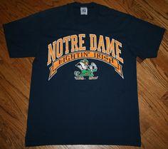 Notre Dame Fightin' Irish Football T-Shirt Men's Large vintage Logo 7 #Logo7 #NotreDameFightingIrish