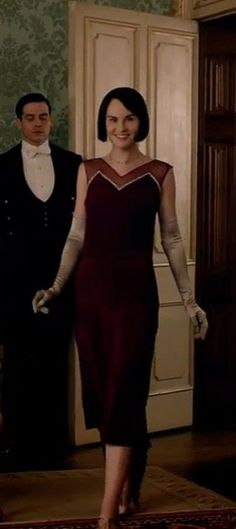 Lady Mary reveals her new look on Downton Abbey.