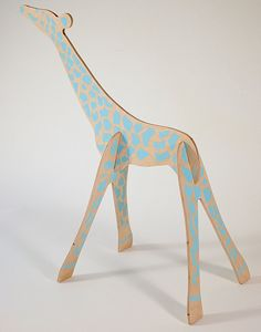 Giraffe in wood,  easy to make in cardboard.