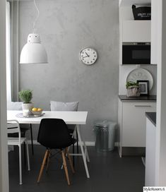 keittiö,valaisin,kattovalaisin,ruokailupöytä