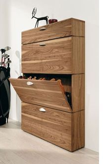 Home Four Diy Divas Stellen Einen Schuhschrank Her Divas Diy Einen Homefour Schuhschrank Stellen In 2020 Shoe Storage Cabinet Wooden Shoe Cabinet Shoe Cabinet