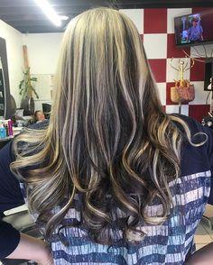 #blonde #olaplex #blonde #igoraRoyal #hairofinstagram #highlights #longbeachhair #longbeach #hairtransformation #love #hair #curls #beachwaves #allaboutdahair #summer #hairbyjanetsalmeron @tcbhairstudio @janetsalmeron
