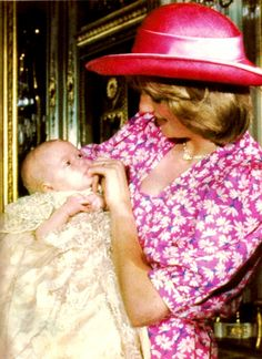 August Princess Diana with Prince William at his christening. Princess Diana Family, Princess Of Wales, Princesa Diana, Diana Williams, Prinz William, Silk Floral Dress, Charles And Diana, British Royal Families, Lady Diana Spencer