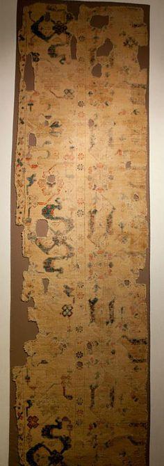 "Ushak ""bird"" carpet fragment, XVI century, Ottoman Empire. Konya Mevlana Museum of Ethnography"