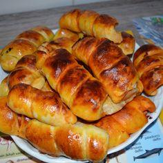 Bögrés házi sajtos ropi recept Hot Dog Buns, Hot Dogs, Bread, Recipes, Food, Brot, Essen, Baking, Eten