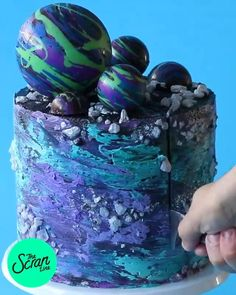 Cake Decorating Videos, Cake Decorating Techniques, Crazy Cakes, Galaxy Desserts, Planet Cake, Cupcake Videos, Party Food Themes, Party Ideas, Galaxy Cake