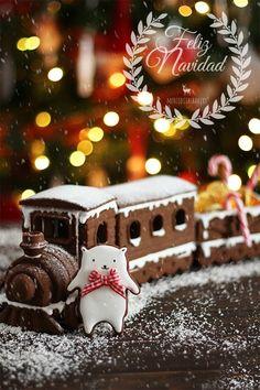 Gingerbread Train, Christmas Gingerbread House, Christmas Train, Christmas Sweets, Christmas Cooking, Noel Christmas, Christmas Goodies, Gingerbread Decorations, Xmas Food