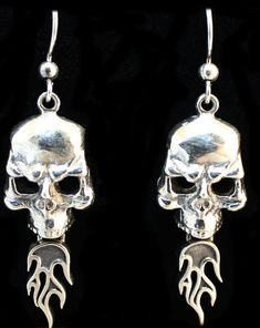 """""""Skull With Flames"""" in STERLING SILVER"""