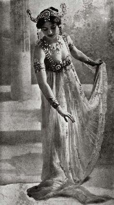 Mata Hari - a infamous exotic dancer and courtesan