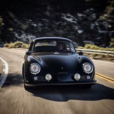 Rod Emory restores Porsche 356 coupes and convertibles at his shop in northern Los Angeles. His company Emory Motosports are specialists in customising the Porsche since the late The timeless model was taken out of production in 1956 but Carros Porsche, Porsche Autos, Porsche 356a, Porsche Cars, Ferdinand Porsche, Vintage Porsche, Vintage Cars, Antique Cars, Land Rover Auto