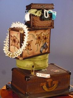 Cake Wrecks - Home - Sunday Sweets: World Traveler From Christopher Garren Cakes (if I spelled it right) Luggage Cake, Suitcase Cake, Crazy Cakes, Fancy Cakes, Unique Cakes, Creative Cakes, Elegant Cakes, Amazing Wedding Cakes, Amazing Cakes