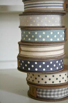 So pretty. Polka dot ribbon and stripes Little Mercerie, Mundo Craft, Lace Ribbon, White Ribbon, Ribbon Sewing, Grosgrain Ribbon, Sewing Notions, Haberdashery, Shades Of Blue