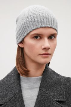 Reinvented classics and timeless essentials in cashmere; shop women's cashmere accessories from our collection of women's hats, scarves & gloves at COS. Grey Gloves, Cashmere Wool, Spring And Fall, Beanie Hats, Wool Blend, Knitted Hats, Scarves, Cos, Clothes For Women