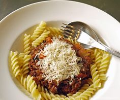 Quorn Bolognese - Using Quorn makes this classic sauce viable on a 5:2 diet fast day - Under 300 calories a portion
