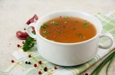 """Ha """"gyógyító"""" levest emlegetnek, általában a csontleves (vagy húsleves) jut eszünkbe elsőként. Az igazi csontleves nem egyenlő a kuktában gyorsan megfőzött húslevessel"""