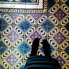 Kraków ul. Wrzesińska #amazingfloor#krakowfloors#posadzki#krakow#poland#iliketiles#instadaily#interiordesign#ihavethisthingwithtiles#ihavethisthingwithfloors#viewfromthetop#decor#oldtown#floor#floors#floorcore#floortiles#tiled#tiles#tileart#tileporn#tileaddiction#carrelage#chaoqueeupiso#shoefie#shoesonthefloor#lookingdown#kafle#colorful#art#decor by krakowfloors